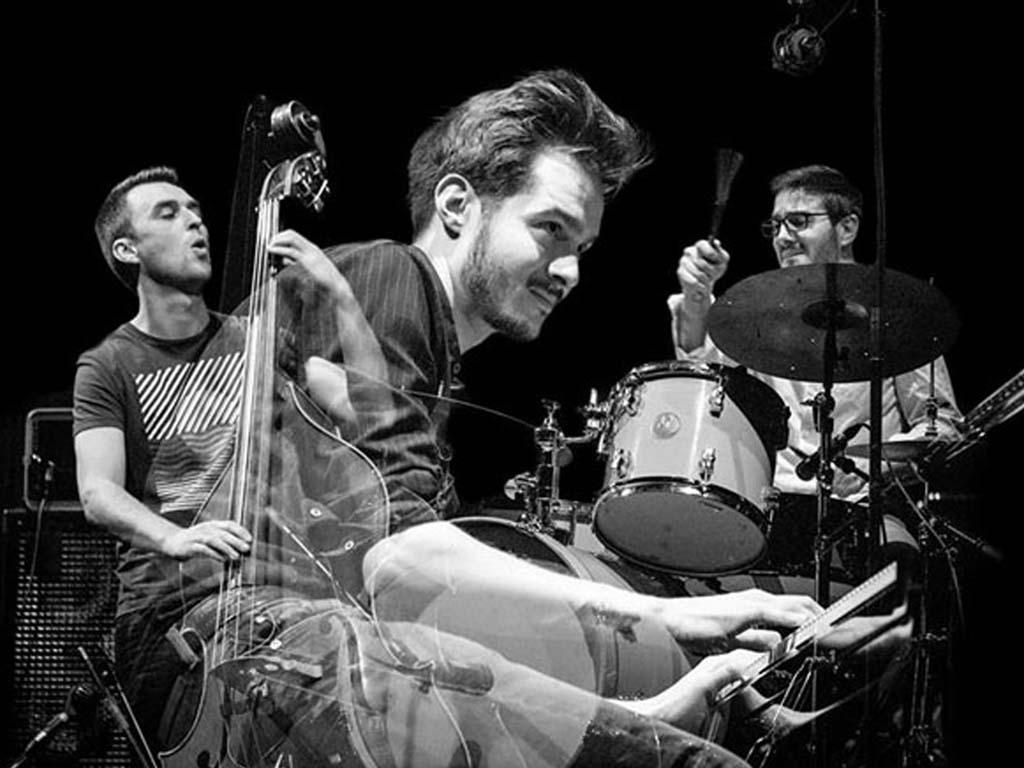 Jazz FR en San Valentín │ Lorenzo Naccarato Trio │ 14 febrero